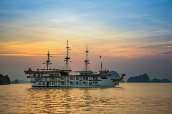 Dragon Legend cruise Halong bay 12