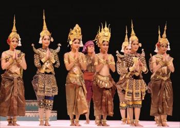danse tradionnelle au Cambodge
