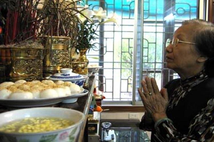 rendre le culte aux ancetres dans la fete des aliments froids